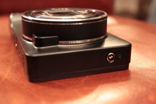 http://t3n.de/news/wp-content/uploads/2012/08/Samsung-Galaxy-Camera_3278-595x396.jpg