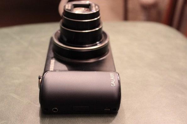 http://t3n.de/news/wp-content/uploads/2012/08/Samsung-Galaxy-Camera_3283-595x396.jpg