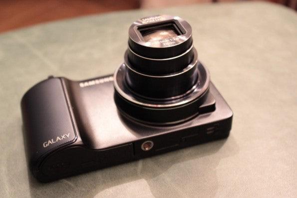 http://t3n.de/news/wp-content/uploads/2012/08/Samsung-Galaxy-Camera_3284-595x396.jpg