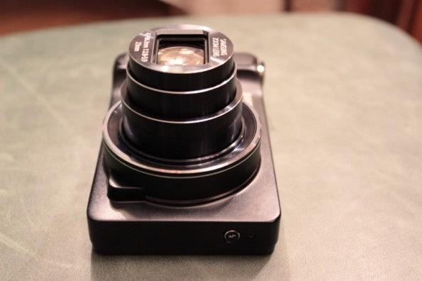http://t3n.de/news/wp-content/uploads/2012/08/Samsung-Galaxy-Camera_3287-595x396.jpg