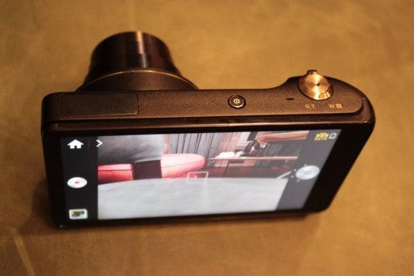 http://t3n.de/news/wp-content/uploads/2012/08/Samsung-Galaxy-Camera_3289-595x396.jpg