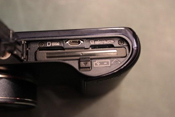 http://t3n.de/news/wp-content/uploads/2012/08/Samsung-Galaxy-Camera_3300-595x396.jpg