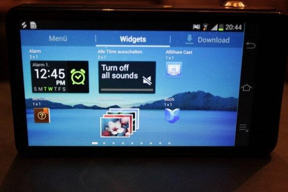 http://t3n.de/news/wp-content/uploads/2012/08/Samsung-Galaxy-Camera_3304-595x396.jpg