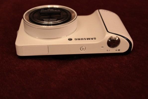 http://t3n.de/news/wp-content/uploads/2012/08/Samsung-Galaxy-Camera_3394-595x396.jpg