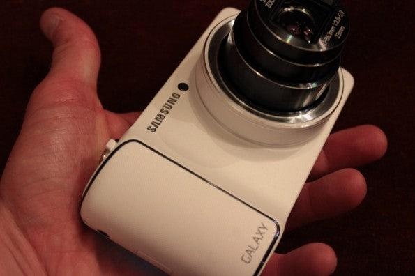 http://t3n.de/news/wp-content/uploads/2012/08/Samsung-Galaxy-Camera_3406-595x396.jpg