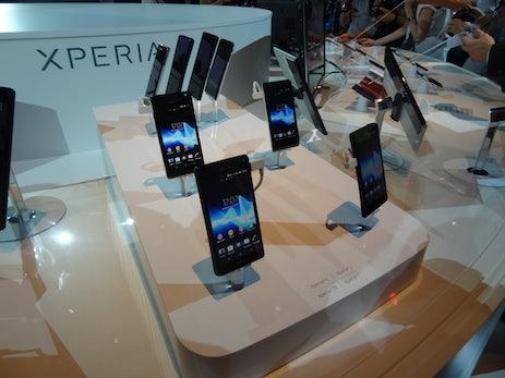 Drei neue Smartphones: Sony zeigt Xperia T, V und J [IFA 2012]