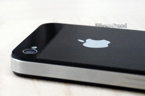 http://t3n.de/news/wp-content/uploads/2012/08/iPhone-5-Mod-Kit-11-595x397.jpeg