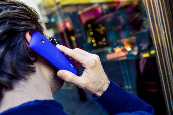 http://t3n.de/news/wp-content/uploads/2012/09/HTC-WP-8-Lifestyle-21-595x395.jpeg
