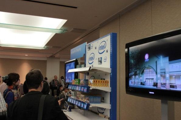 http://t3n.de/news/wp-content/uploads/2012/09/Intel-idf-2012-day-0_3859-595x396.jpg