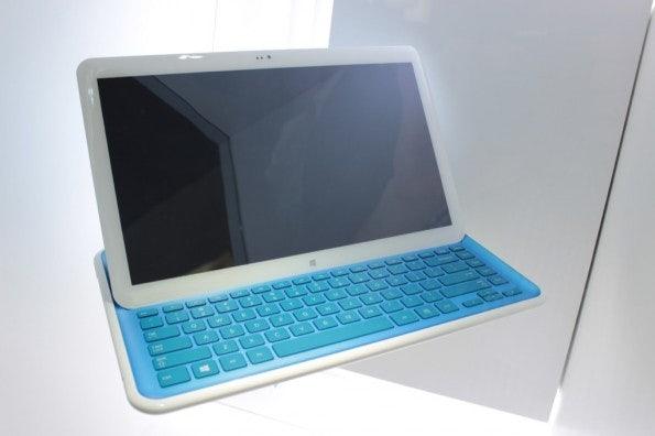 http://t3n.de/news/wp-content/uploads/2012/09/Samsung-Pop-up-Prototyp-_3453-595x396.jpg