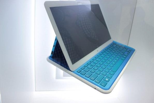 http://t3n.de/news/wp-content/uploads/2012/09/Samsung-Pop-up-Prototyp-_3454-595x396.jpg
