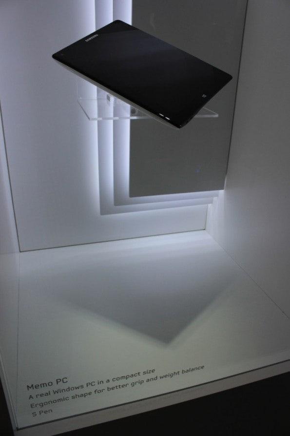 http://t3n.de/news/wp-content/uploads/2012/09/Samsung-memo-Prototyp__3492-e1346757273950-595x893.jpg