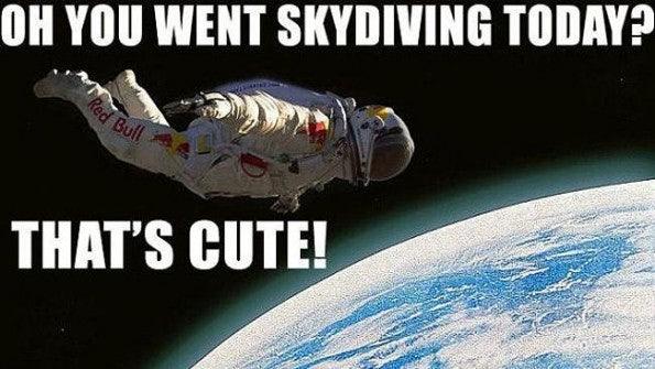 http://t3n.de/news/wp-content/uploads/2012/10/794371-felix-baumgartner-skydive-595x335.jpeg