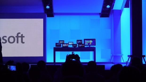 Die Bühne war fast durchgängig mit einer Vielzahl von Windows-8-Geräten zugestellt.