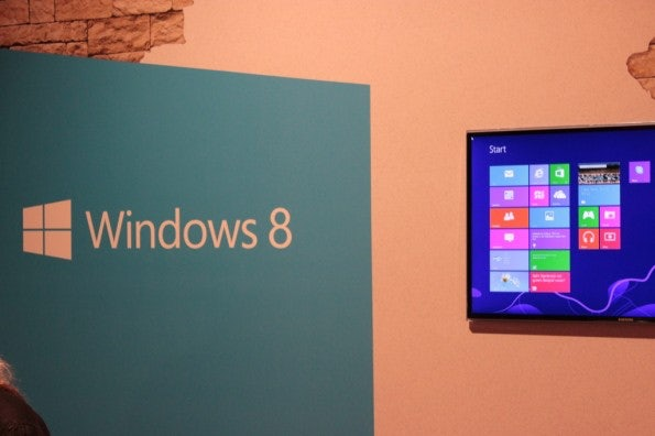 http://t3n.de/news/wp-content/uploads/2012/10/Windows-8-Marktstart_4269-595x396.jpg