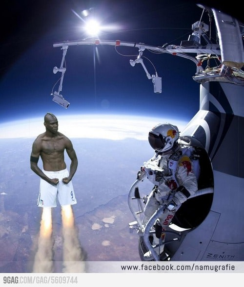 http://t3n.de/news/wp-content/uploads/2012/10/felix-baumgartner-balotelli.jpeg