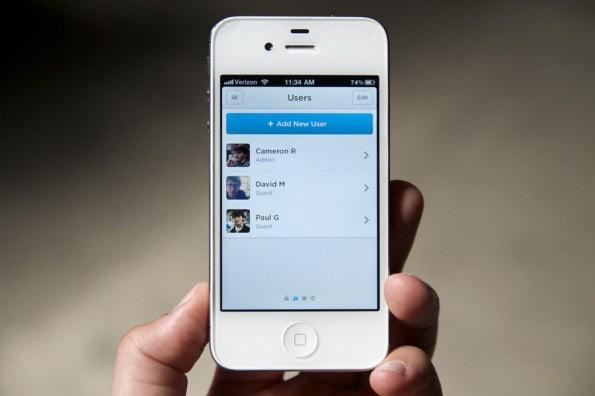 http://t3n.de/news/wp-content/uploads/2012/10/iphone-users-595x396.jpg