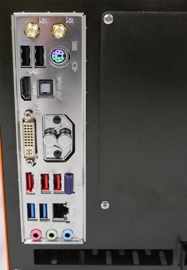 http://t3n.de/news/wp-content/uploads/2012/10/protonet_anschluesse-595x860.jpg