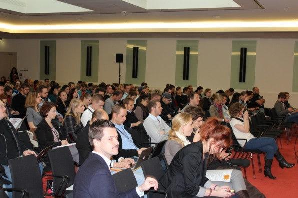 http://t3n.de/news/wp-content/uploads/2012/11/AllFacebookMarketingConference_4-595x396.jpg