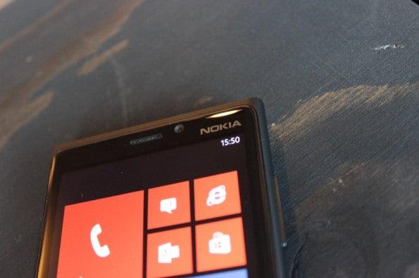 http://t3n.de/news/wp-content/uploads/2012/11/Nokia-Lumia-920_4532-595x396.jpg
