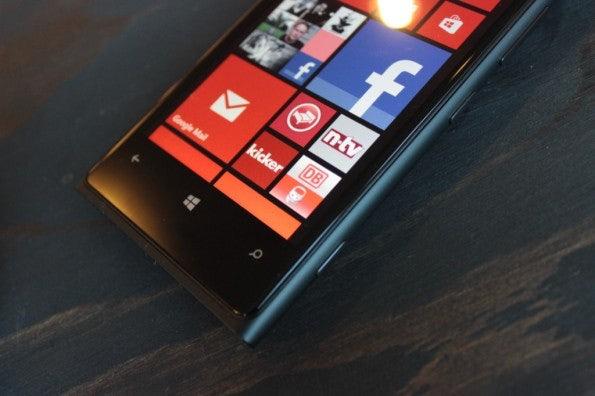 http://t3n.de/news/wp-content/uploads/2012/11/Nokia-Lumia-920_4534-595x396.jpg