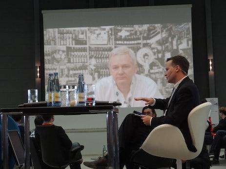 Julian Assange: Internet ist Bedrohung für die Zivilisation [ConventionCamp 2012]