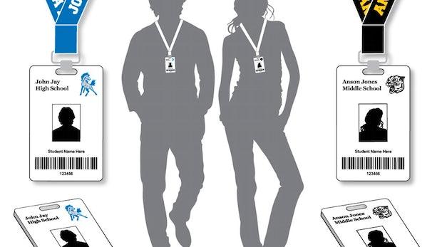 Zehntklässlerin der Schule verwiesen, weil sie keinen RFID-Chip tragen will
