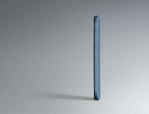 http://t3n.de/news/wp-content/uploads/2012/12/HTC-One-SV-34-Front-Glacier-white-595x456.jpeg