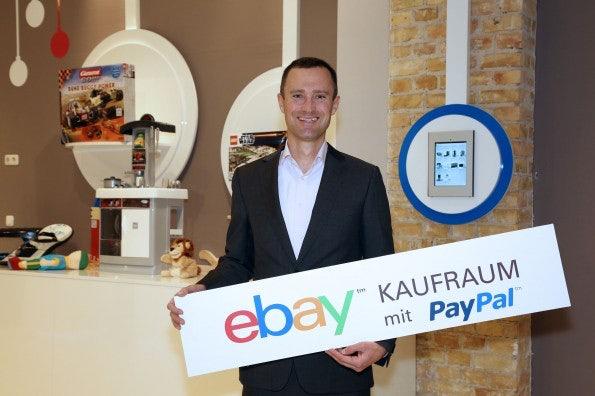 http://t3n.de/news/wp-content/uploads/2012/12/qr-code-shopping-2-595x396.jpg