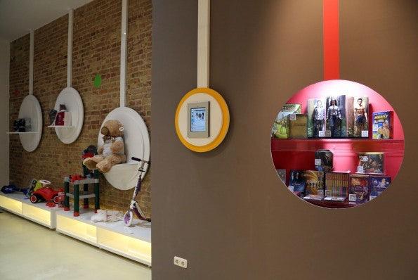 http://t3n.de/news/wp-content/uploads/2012/12/qr-code-shopping-5-595x398.jpg