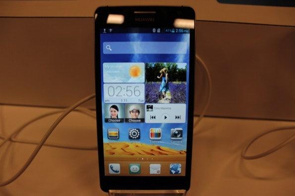 http://t3n.de/news/wp-content/uploads/2013/01/Huawei_ascend_d2-5076-595x396.jpg