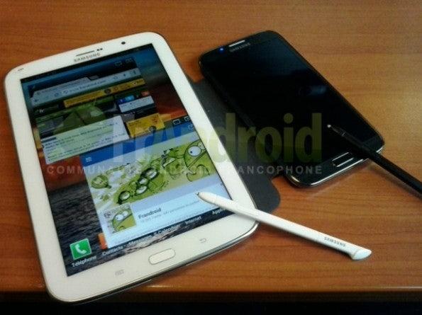 http://t3n.de/news/wp-content/uploads/2013/01/Samsung-Galaxy-Note-8-spen-595x445.jpg