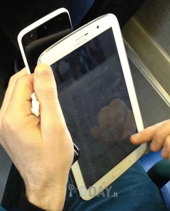 http://t3n.de/news/wp-content/uploads/2013/01/Samsung-galaxy-note-8-tab2-595x740.jpg