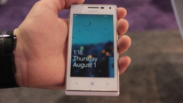 Huawei Ascend W1: Das Windows Phone 8 Schnäppchen [CES 2013]