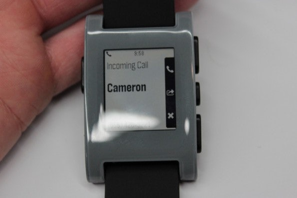 http://t3n.de/news/wp-content/uploads/2013/01/pebble-e-ink-watch-5328-595x396.jpg