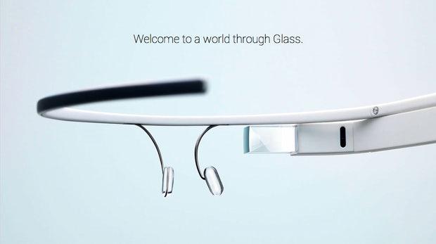 Über eine neue Startseite für Google Glass können Kreative mit etwas Glück an die Explorer Edition der Augmented-Reality-Brille kommen (Bild: Google).