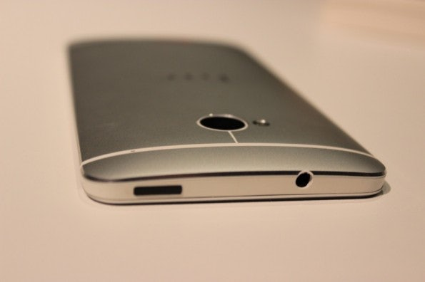 http://t3n.de/news/wp-content/uploads/2013/02/HTC-One-IMG_5786-595x396.jpg