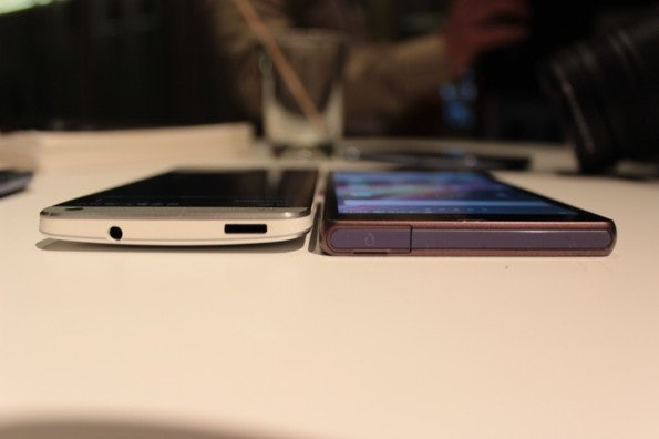 http://t3n.de/news/wp-content/uploads/2013/02/HTC-one-vs-sony-xperia-z-5809-595x396.jpg