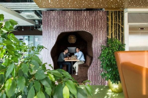 http://t3n.de/news/wp-content/uploads/2013/02/google-office-cabins-4-700x466-595x396.jpeg