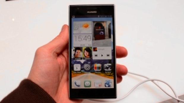 Huawei Ascend P2: schlankes Leichtgewicht mit Quad-Core-CPU im Hands-On [MWC 2013]