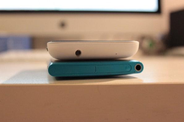 http://t3n.de/news/wp-content/uploads/2013/02/lumia-620-vs-lumia-800-2-595x396.jpg