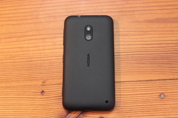 http://t3n.de/news/wp-content/uploads/2013/02/nokia-lumia-620-5608-595x396.jpg