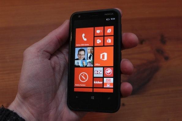 http://t3n.de/news/wp-content/uploads/2013/02/nokia-lumia-620-5611-595x396.jpg