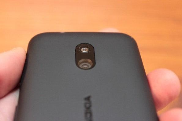 http://t3n.de/news/wp-content/uploads/2013/02/nokia-lumia-620-5622-595x396.jpg