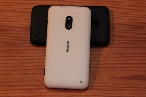 http://t3n.de/news/wp-content/uploads/2013/02/nokia-lumia-620-5641-595x396.jpg