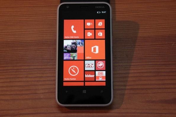 http://t3n.de/news/wp-content/uploads/2013/02/nokia-lumia-620-5646-595x396.jpg
