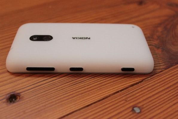 http://t3n.de/news/wp-content/uploads/2013/02/nokia-lumia-620-5663-595x396.jpg