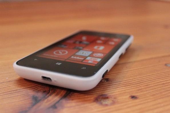 http://t3n.de/news/wp-content/uploads/2013/02/nokia-lumia-620-5674-595x396.jpg
