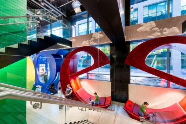 Google Office in Dublin: Der Eingangsbereich (c) Camenzind Evolution Office
