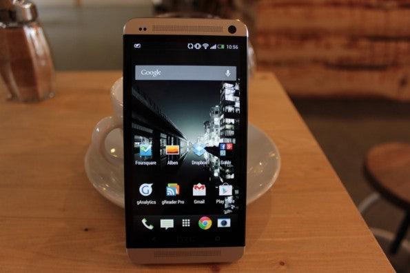 http://t3n.de/news/wp-content/uploads/2013/03/HTC-one-test-IMG_6527-595x396.jpg